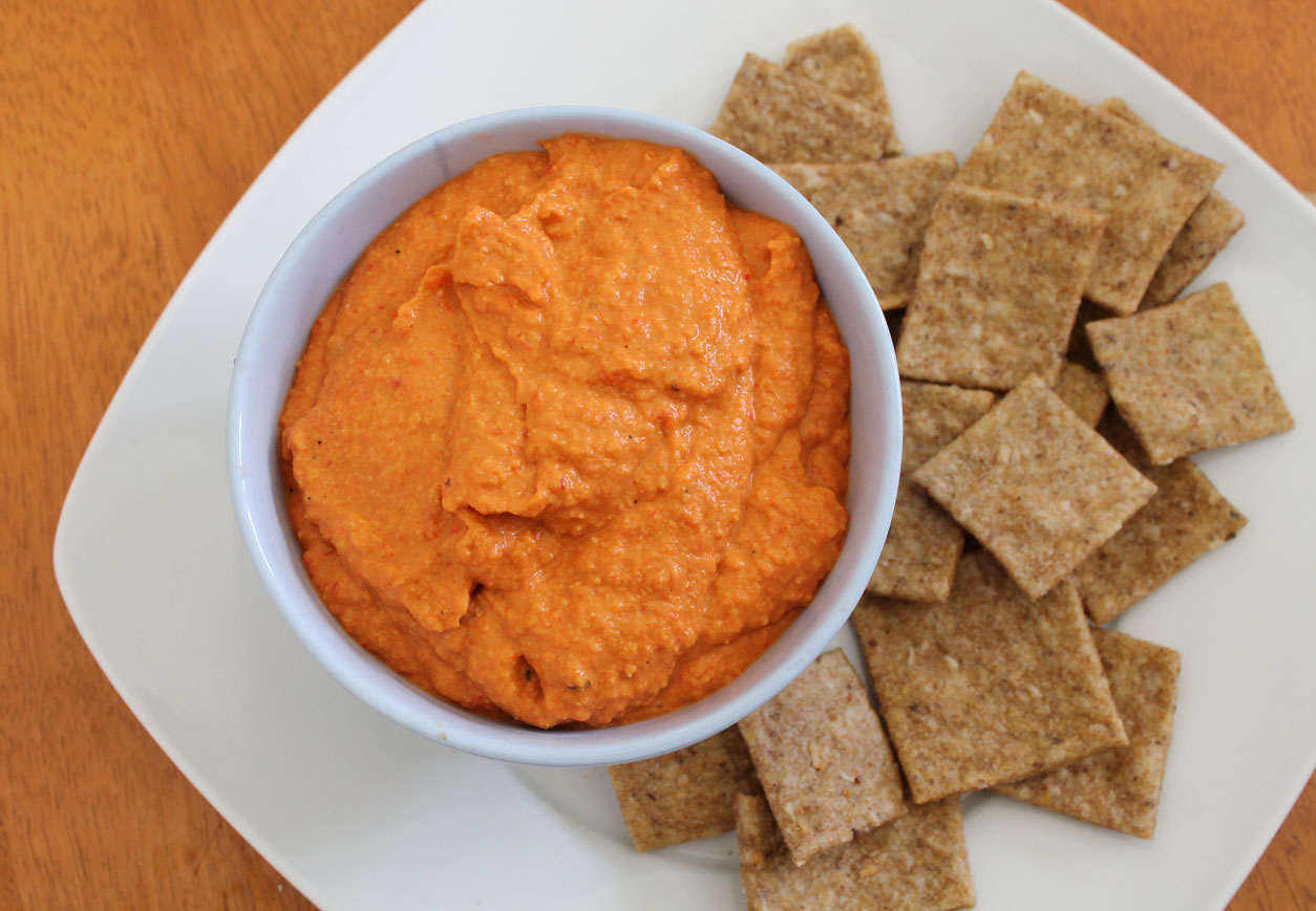 Roasted Garlic and Red Pepper Hummus | Live. Learn. Love. Eat.