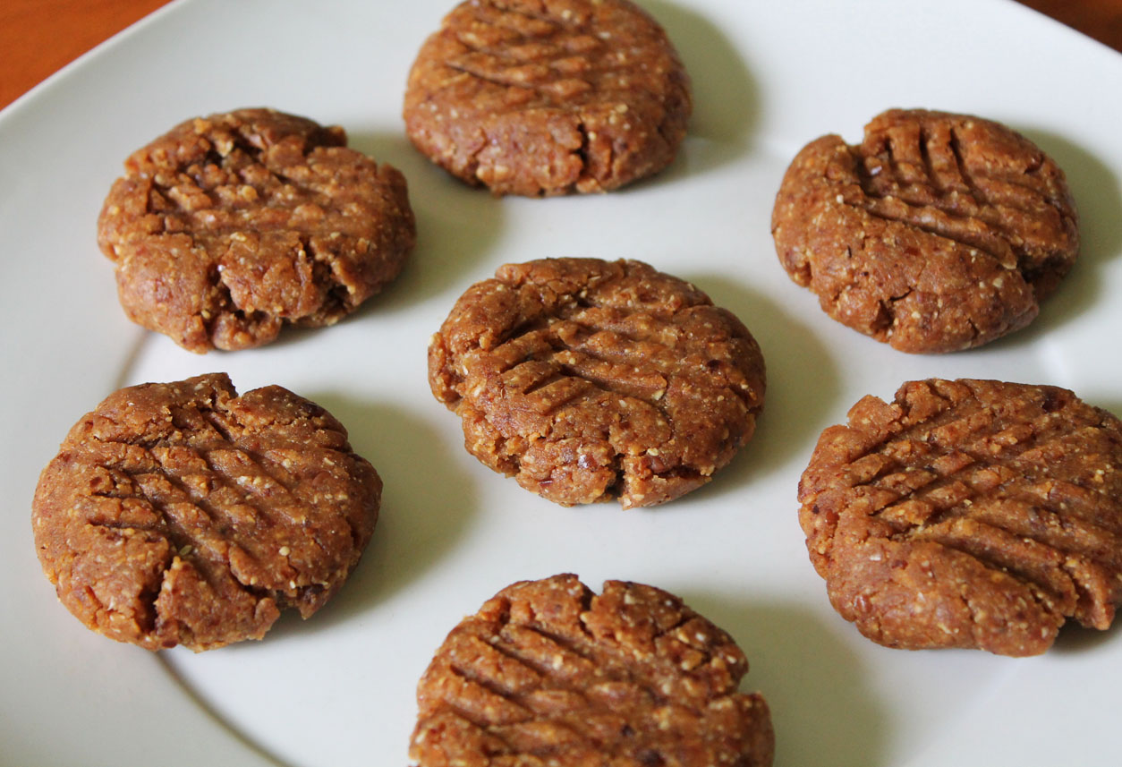 No-Bake Cashew Butter Cookies {Date Sweetened}   Live. Learn. Love ...