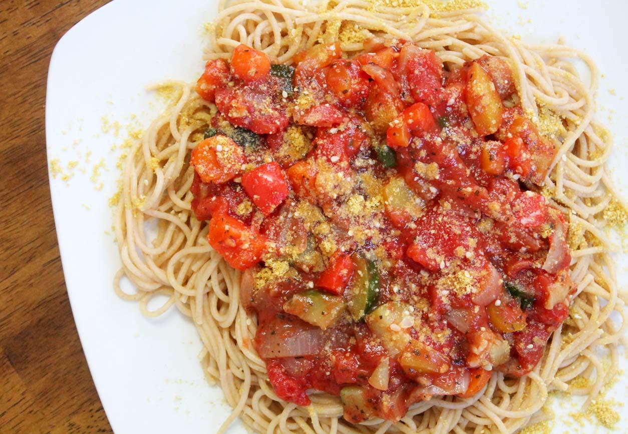 Easy Chunky Garden Vegetable Tomato Sauce | Live. Learn. Love. Eat.