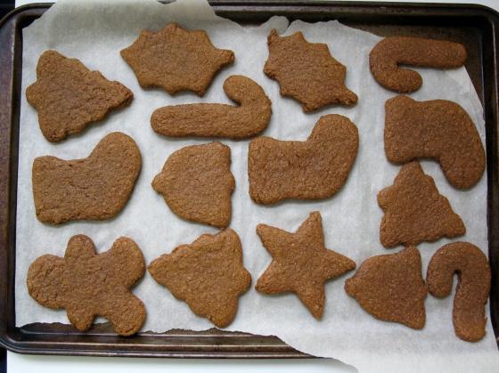 spelt-gingerbread-cookies-4